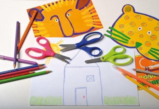 La manière la plus sûre d'apprendre à vos enfants l'art du découpage